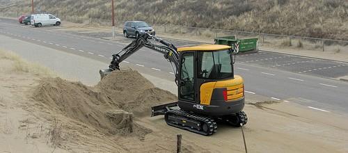 Nieuwe 3.5 ton's minikraan in gebruik genomen